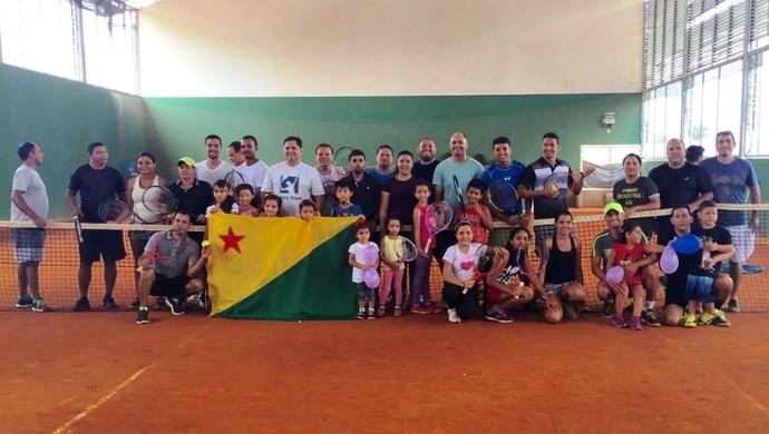 Curso para professores de tênis  (Foto: Divulgação/Fact)
