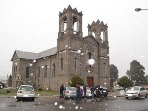 Turistas visitam Serra para esperar neve (Foto: Dionata Costa/São Joaquim Online)