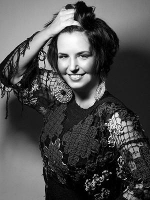 Cantora goiana canta sucessos do terceiro CD: 'Mulher' (Foto: Divulgação)