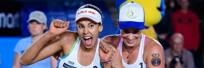 Ágatha/Duda vence Larissa/Talita pela semifinal do World Tour Finals (Foto: Divulgação/FIVB)
