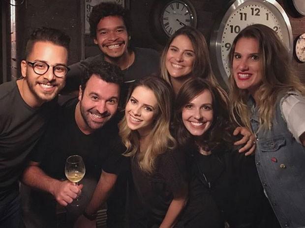 Junior Lima, Douglas Aguillar, José Trassi, Sandy, Bruna Thedy, Camila dos Anjos e Karina Dohme (Foto: Instagram/ Reprodução)