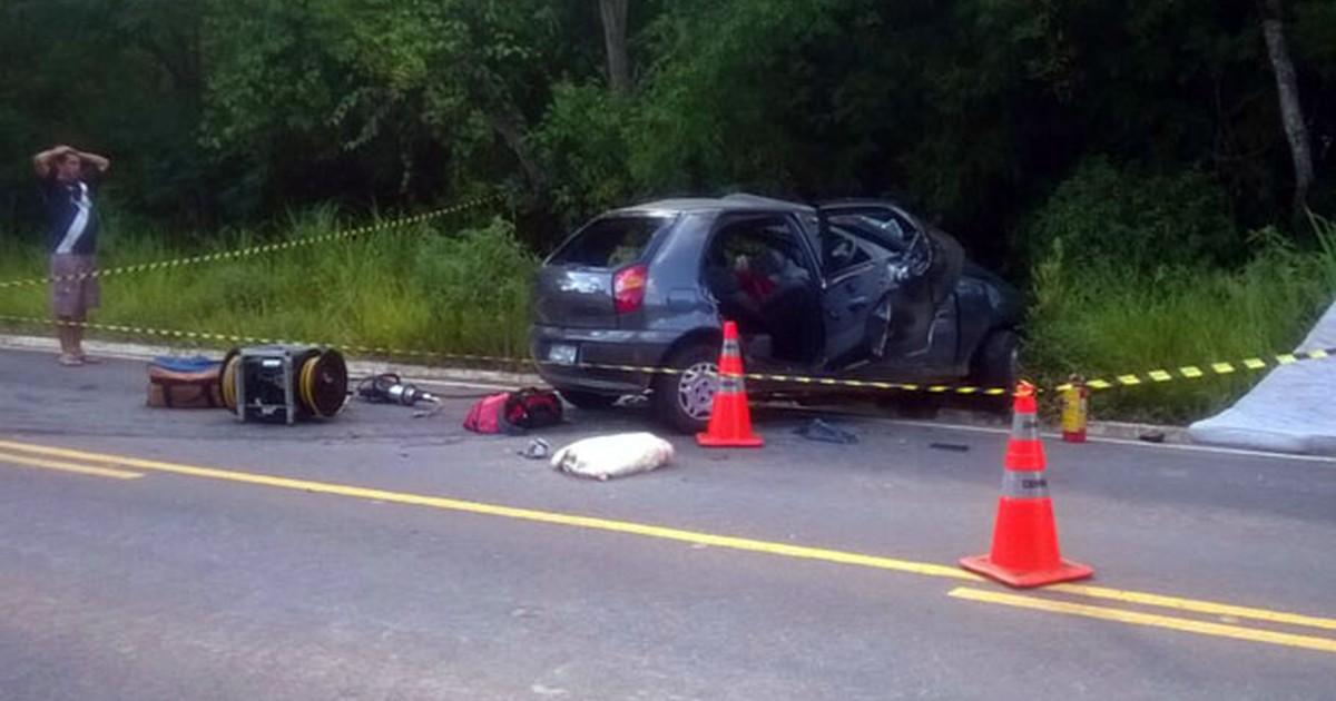 Casal morre e três pessoas ficam feridas em acidente na MG-383 - Globo.com
