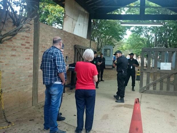 Oficiais de justiça de Itu notificam ex-Menudo por atraso de pensão alimentícia (Foto: Ana Carolina Levorato/G1)
