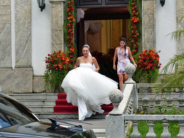 Sueli fica irada após a surpesa do casamento cancelado (Foto: Carolina Morgado / Alto Astral)