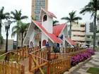 Papai Noel chega de tirolesa e abre programação de Natal em Umuarama