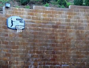 cesta basquete casa lionel messi em barcelona (Foto: Cahê Mota / Globoesporte.com)