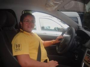 A taxista Franssinete Matos é a presidente da priemeira cooperativa feminina do Pará. (Foto: Gabriela Azevedo/G1)