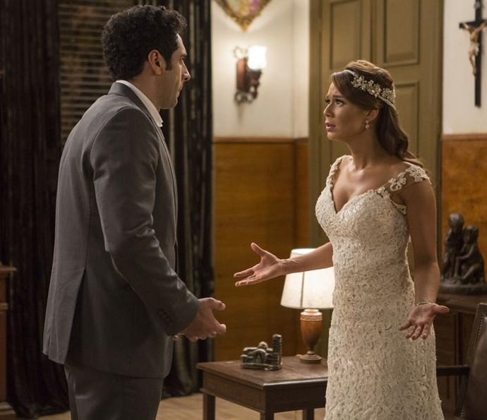 'Não vai me dizer que desistiu de casar!', pergunta Tancinha (Foto: Inácio Moraes/Gshow)