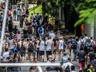Lollapalooza: público chega cedo a autódromo de Interlagos, em SP