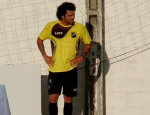 Neto Coruja - volante ABC (Foto: Carlos Cruz/GloboEsporte.com)