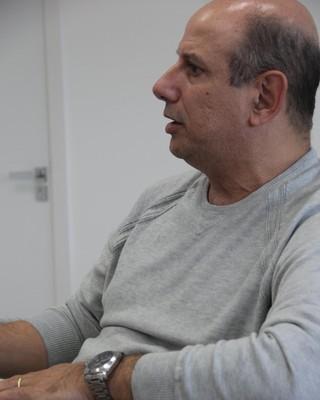 Carlos Alberto de Souza professor Neco presidente associação gaúcha futebol feminino (Foto: Thiago Lopes / AGFF)