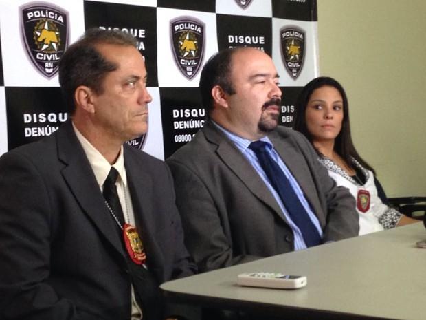 Delegados concedem entrevista coletiva na Delegacia Geral de Polícia Civil, em Natal (Foto: Emmily Virgílio/InterTV Cabugi)