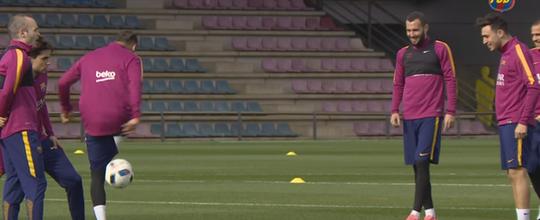 Neymar e Munir atacam no altinho em treino (Reprodução / Youtube)