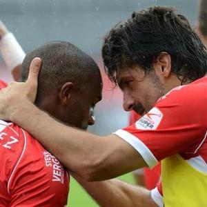 Léo Itaperuna, ex-Fluminense, com Gattuso (Foto: Divulgação/ Sion)