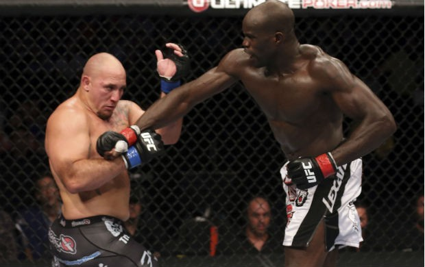 Cheick Kongo vence Shawn Jordan no UFC 149, no Canadá (Foto: Getty Images)