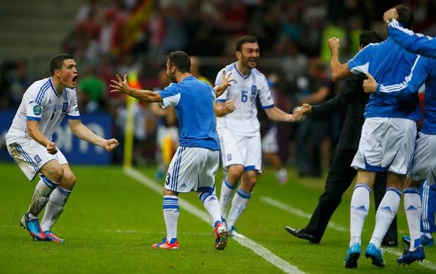 jogadores grécia gol rússia eurocopa 2012 (Foto: Agência Reuters)