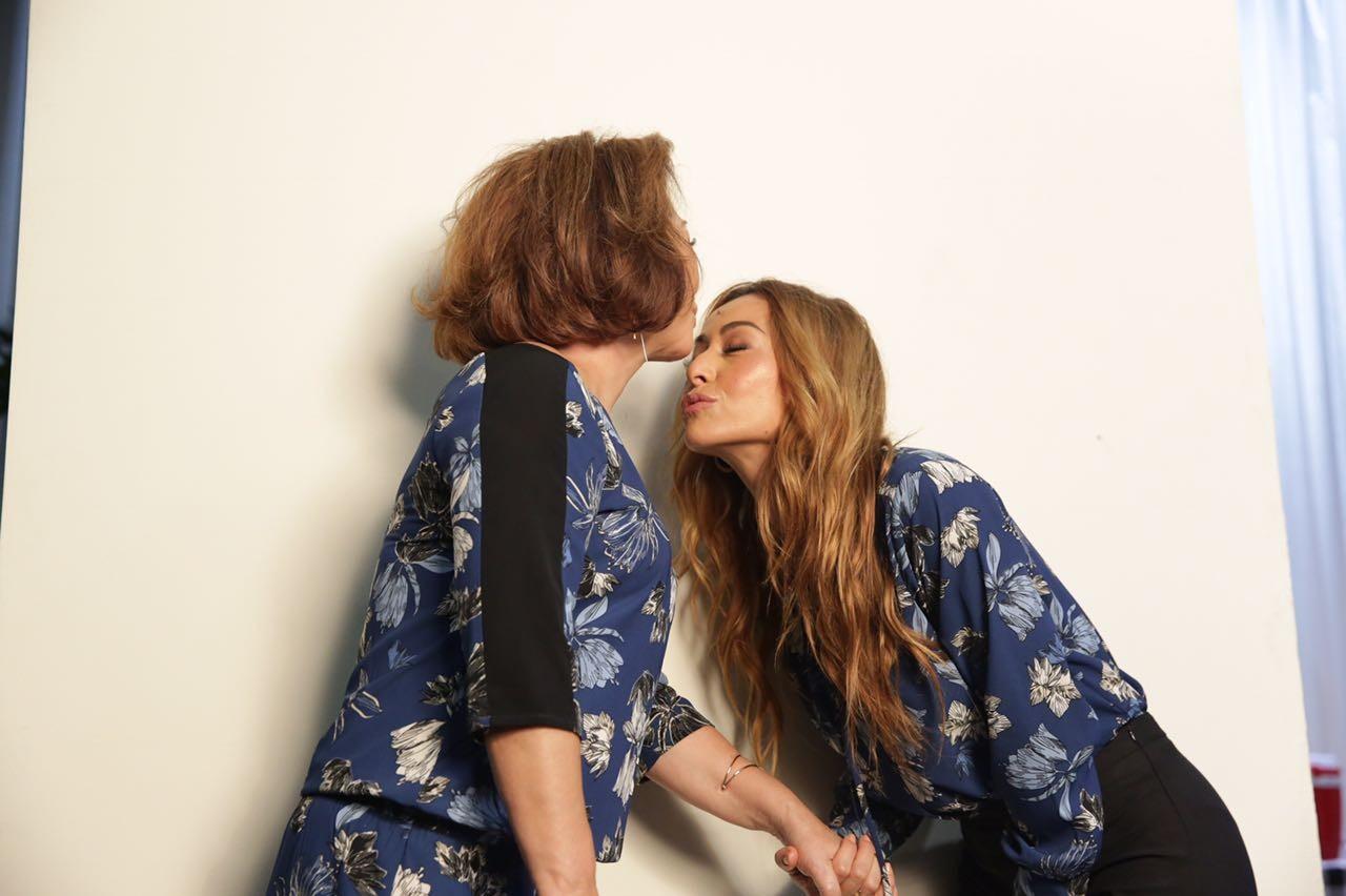 Sabrina Sato posa com Dona Kika em campanha de Dia das Mães (Foto: Divulgação)