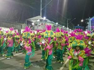 Bateria Partido Alto carnaval 2015 Juiz de Fora (Foto: Roberta Oliveira/ G1)