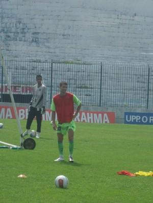 Pedrinho no treino do Olaria (Foto: Igor Gonçalves/Globoesporte.com)