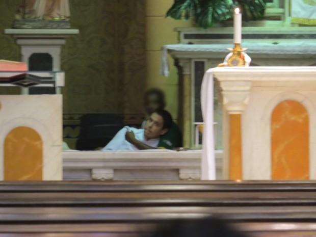 Ministro da eucaristia da Igreja Nossa Senhora da Paz é feito refém neste domingo (17) (Foto: José Conde/Arquivo pessoal)