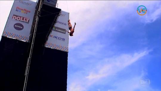 Inglês ousa em salto de plataforma  de 27m e vence o Mergulho Radical