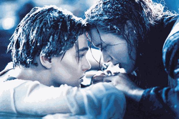 Leonardo DiCaprio e Kate Winslet em Titanic (Foto: reprodução)