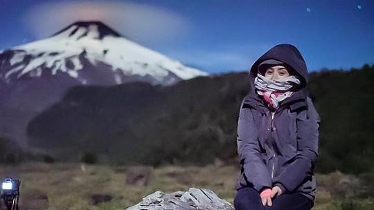 Amanda Richter escala vulcão no Chile com Max Fercondini