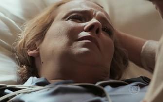 Emília pede perdão a Vitória
