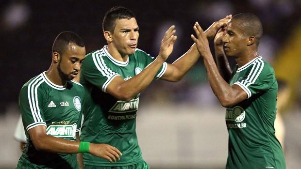 Lucio comemoração jogo Palmeiras e Comercial (Foto: Thiago Calil / Agência Estado)