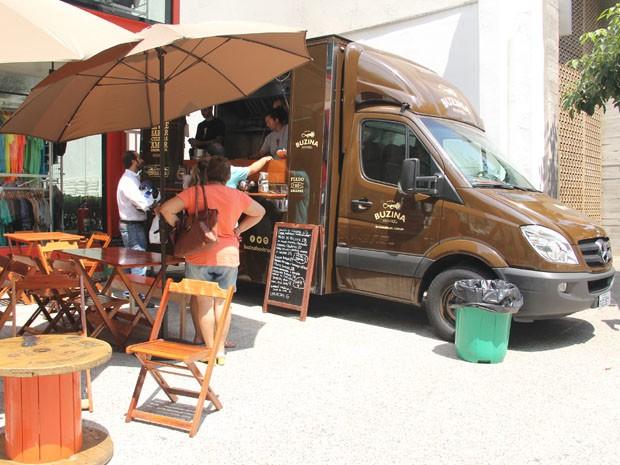 Buzina Food Truck, um dos restaurantes sobre rodas que circulam por SP  (Foto  588be7092d