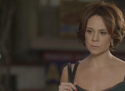 Ana procura pistas para encontrar Ciça