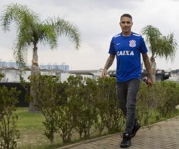 """Guerrero """"ignora"""" G-4 por renovação: """"Quero ficar de qualquer jeito"""""""