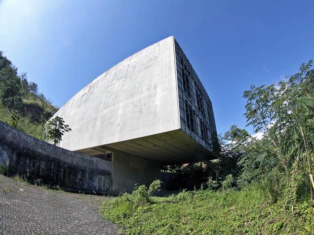 Prédio de R$ 2,3 mi será demolido em São Sebastião sem nunca ser usado  (Foto: Munir El Hage/ PMSS)