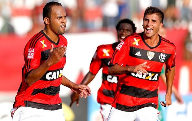 Alecsandro comemoração no jogo Flamengo e Boavista (Foto: Guito Moreto / Agência O Globo)