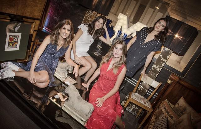 Ana Piva, Julie Chermann, Marina Vincintin e Maria Rudge apresentam a nova coleção (Foto: Divulgação)