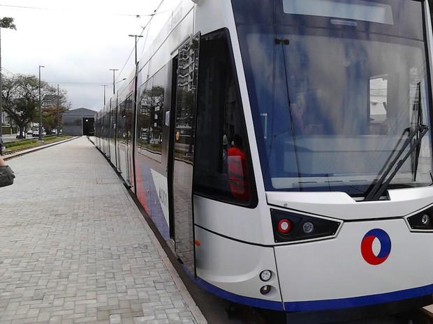 VLT passou por testes em São Vicente, SP (Foto: Rodrigo Nardelli/ G1)