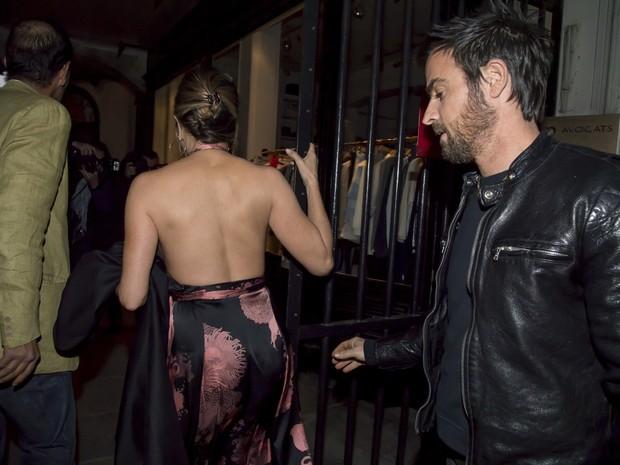 Jennifer Aniston e Justin Theroux em Paris, na França (Foto: AKM-GSI/ Agência)