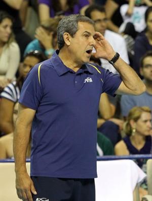 Zé Roberto Guimarães, técnico do Campinas (Foto: Felipe Christ/Amil/Divulgação)