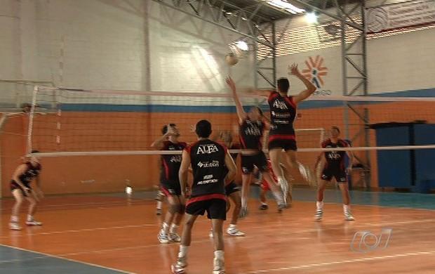 Monte Cristo treina para Superliga B (Foto: Reprodução/TV Anhanguera)