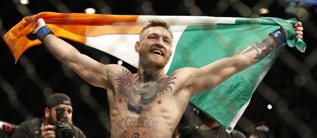 Conor McGregor comemora vitória conta José Aldo no UFC 194