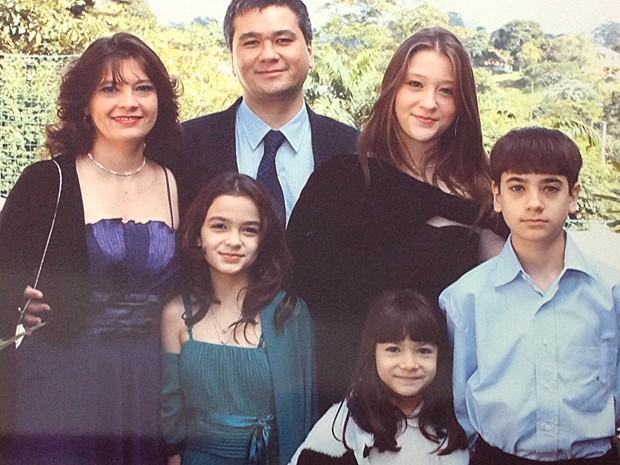 Da esq.: Célia, Régis, Beatriz e Eduardo. Embaixo, Andressa e Danielle (Foto: Arquivo pessoal)