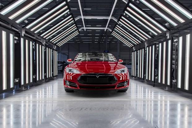 Primeira fábrica da Tesla Motors na Europa, em Holanda (Foto: Divulgação)