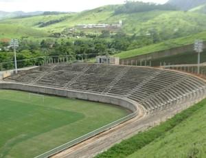 Estádio Soares de Azevedo Nacional-MG (Foto: Tiago Galgani)