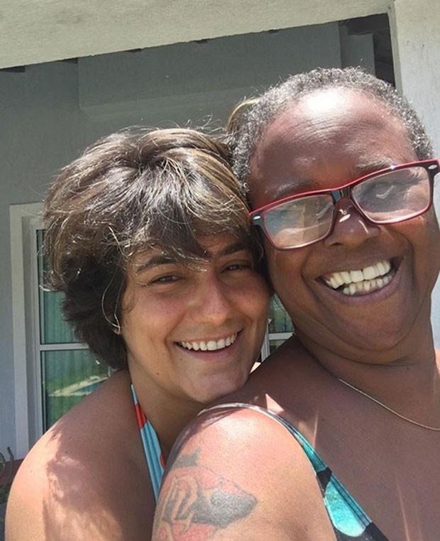 Simone Floresta e Sandra de Sá (Foto: Reprodução)