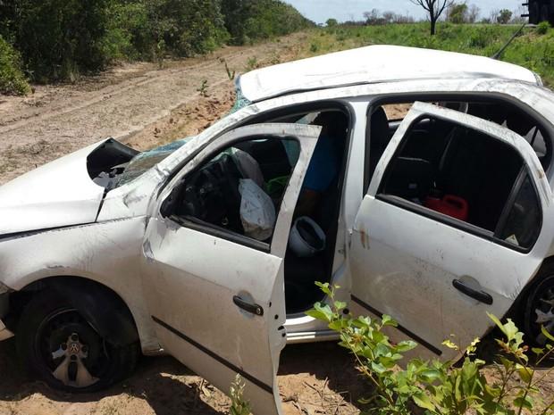 Acidente aconteceu na manhã desta quinta-feira (24), na BR-349, próximo a cidade de Correntina, na Bahia. (Foto: blogbraga/Edivaldo Braga)