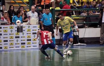 Após derrota para o Paraguai, Falcão: 'Mostra que o Brasil não é imbatível'