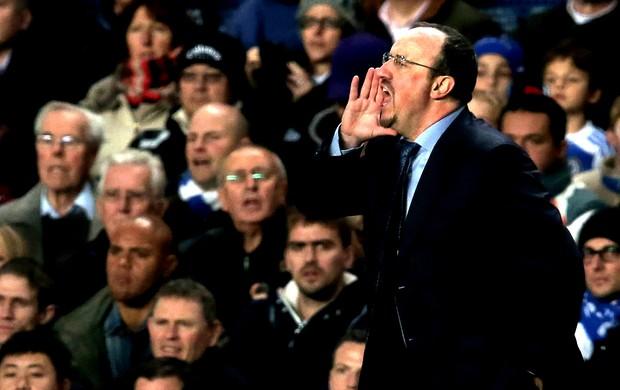 Rafael Benitez na partida do Chelsea contra o Manchester City (Foto: Getty Images)