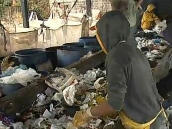 Usina de reciclagem, em Ibaiti, foi fechada na manhã desta quarta-feira (2) (Foto: Reprodução/RPC TV)
