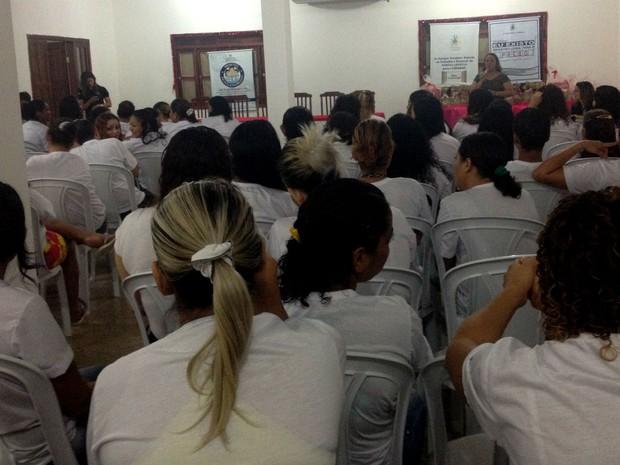 Detentas do Iapen foram atendidas pelo programa Eu Existo do Tjap (Foto: Jéssica Alves/G1)