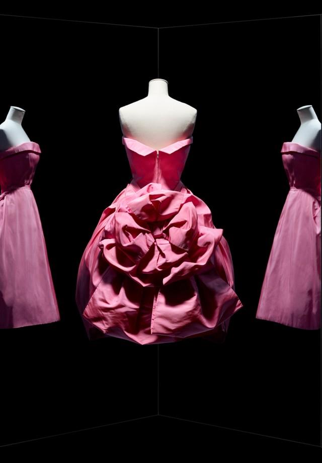 Opéra Bouffe dress by Christian Dior, haute couture fall-winter 1956 (Foto: Reprodução)